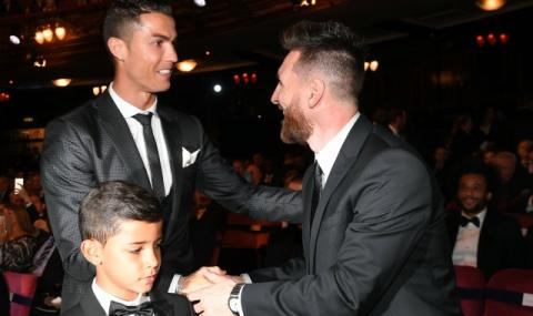 Колко повече пари взима Меси от Роналдо?