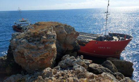 Корабът край Яйлата е заседнал заради неадекватно поведение на екипажа - 1