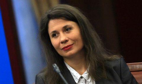 """Елисавета Белобрадова: БСП ни вкара в изключително неприятна ситуация с обяснението, че се """"грижи за пенсионерите"""" - 1"""