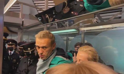 Навални остава в ареста за 30 дни