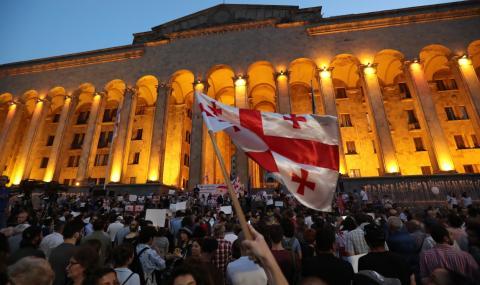 Опозицията в Грузия бойкотира парламента