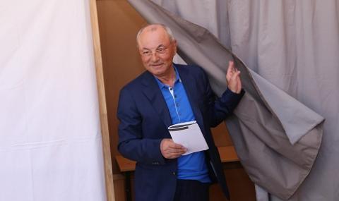Ахмед Доган се срещна с екип на bTV, надява се днес да няма сблъсъци край имението му