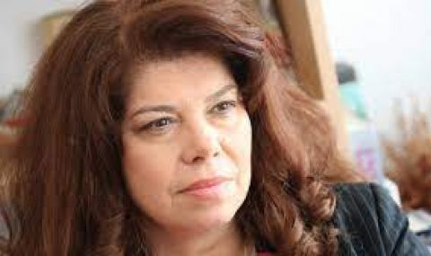 Илияна Йотова: Не подценявам никого за вота - 1