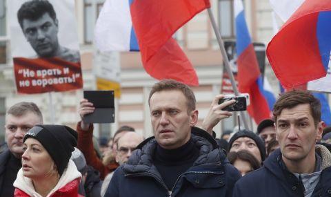 От затвора заплашват Навални, че ще бъде хранен насила