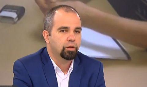 Първан Симеонов: Слави Трифонов протяга ръка към партиите на протеста