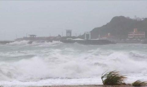 Мощен тайфун удари Токио! Обърка програмата на Олимпийските игри - 1