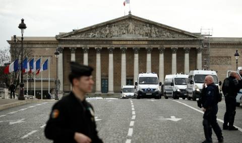 Протести и недоволство в Париж