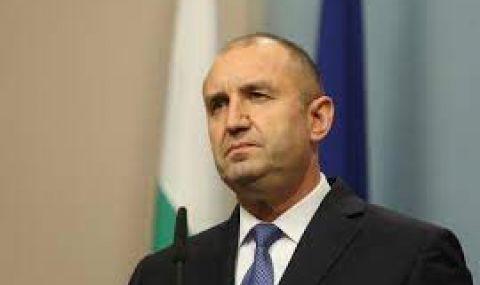 Президентът разпуска НС и назначава служебен кабинет