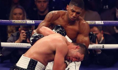 Бивш световен шампион очаква Джошуа да нокаутира Кобрата за 2-3 рунда