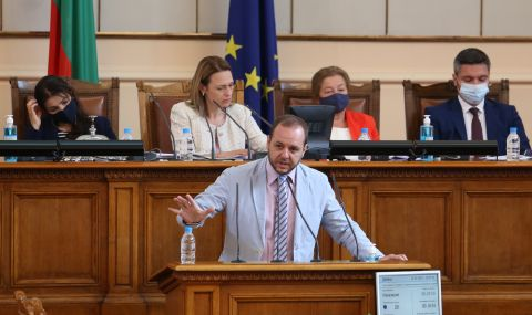 Борислав Сандов: Проектът на Василев и Петков трябва да ползва регистрирани партии - 1