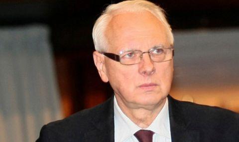 Велизар Енчев: Йончева е минала на другия бряг, обслужва ГЕРБ
