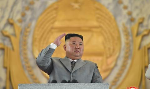 Ким Чен Ун се разплака на военния парад