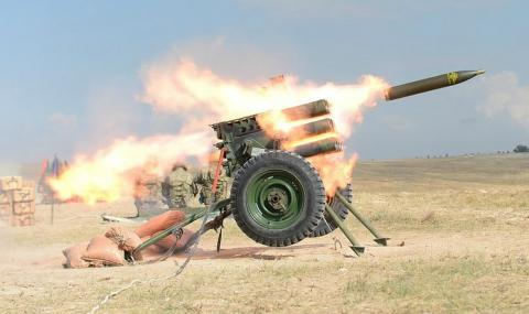 Турската армия атакува кюрдите