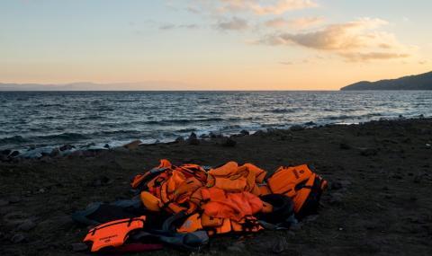 Бежанците продължават да пристигат на Лесбос