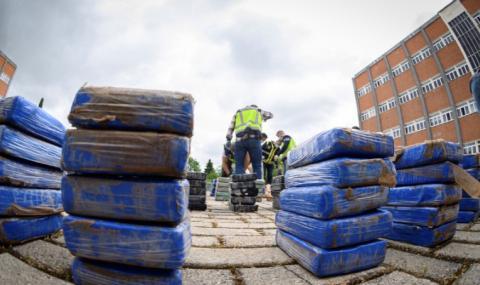 В Хамбург откриха 1,8 тона кокаин в смес за котешки тоалетни