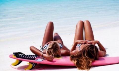 Австралийки замениха сърфа с порното