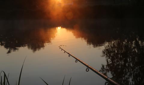 Волтова дъга порази рибар, оплел въдицата си в електрически кабел