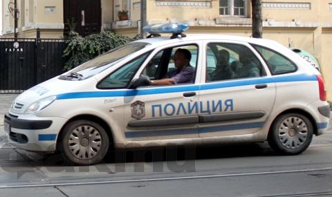 В Бургаско разбиха банда от ало измамници - 1