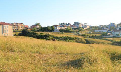 ВАП сезира МОСВ и ДНСК: Законен ли е строежът на хотел на първа линия над плажа