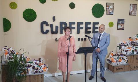 Везиева откри първата иновативна фабрика в Европа за биоразградими чаши за кафе - 1