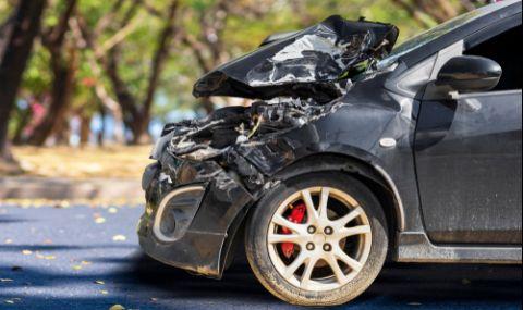 Тежка катастрофа на пътя Бургас-Айтос, има затиснати хора в коли