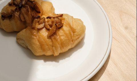 Рецепта на деня: Вкусна бутер закуска с мед и пудра захар