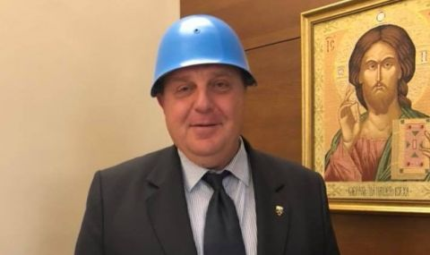 Бай Ганьо от ВМРО пак надува свирката и се прави на бабаит
