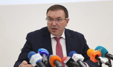 Министър Ангелов с новини за ваксините на