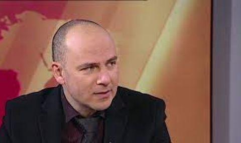 Доц. Петър Чолаков за Трифонов: Непохватен опит за честна игра