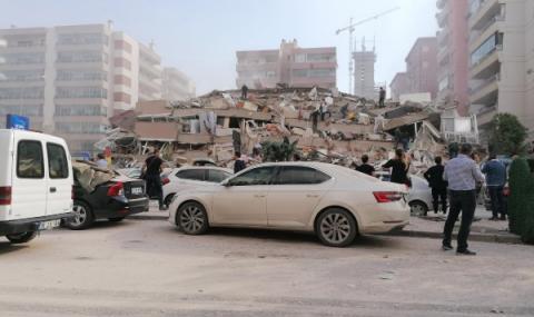 Разрушени сгради след труса в Турция