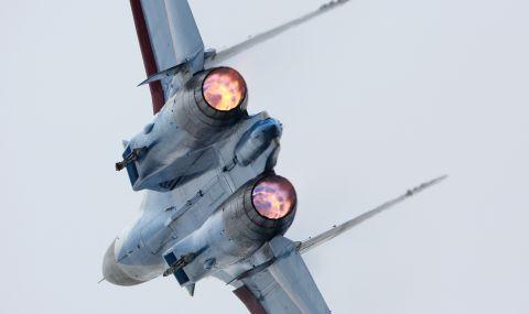 Руски Су-27 ескортира три самолета на френските ВВС над Черно море