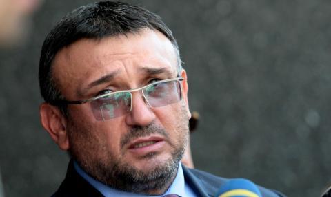 Младен Маринов: Изключително унижение за полицаите