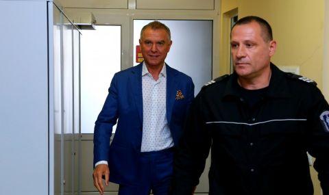 Съдът наложи запор върху четири фирми на Атанас Бобоков