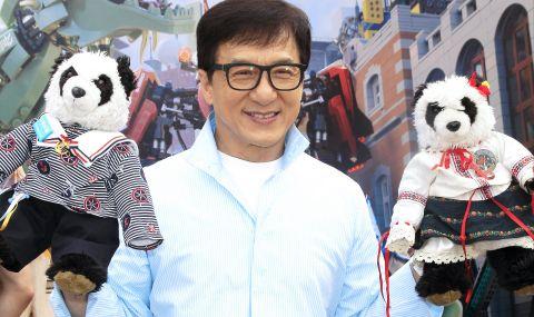 Джаки Чан готов да стане комунист