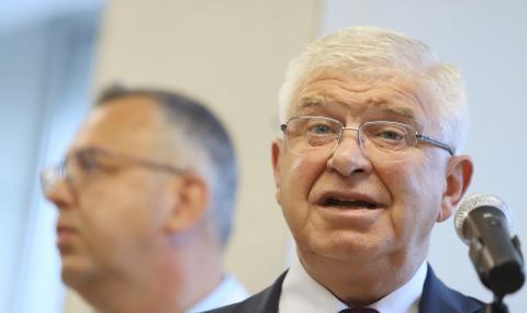 Ананиев: Здравният министър не увеличава заплатите