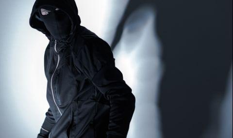 Екшън в Пловдив: Престъпник се дави в Марица, ченгетата го спасяват