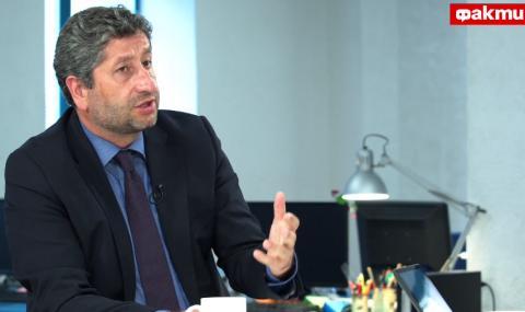 Христо Иванов пред ФАКТИ: В завладяната държава центровете на влияние включват и изключват закона като нощна лампичка