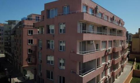 Незаконна сграда работи като нелегален хотел в Поморие