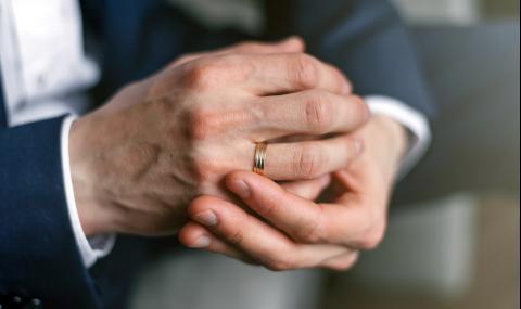 Жена намери пръстен на мъжа си, загубен преди 53 години