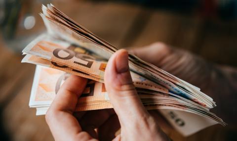 Гърция примамва със заплата от €3000