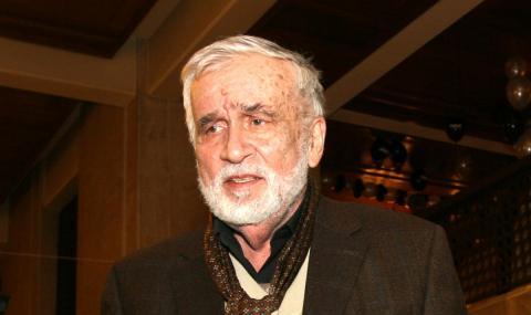 Почина Любомир Левчев