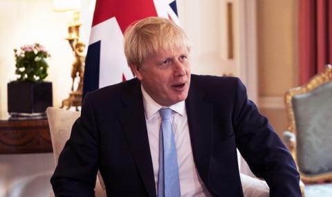 Джонсън заплаши: Великобритания е готова да промени имиграционните си правила за...