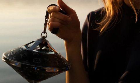 """Преносима тонколона от Louis Vuitton във формата на """"летяща чиния"""" и с цена от $2 900 - 1"""