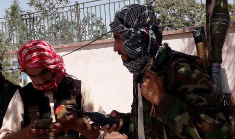 """Афганистанският вътрешен министър обеща """"мирно предаване на властта"""" - 1"""