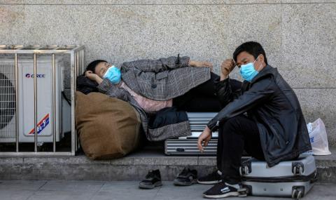 Китай започва да изпробва ваксини върху хора