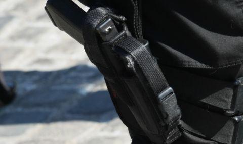 20-годишен открадна пистолета на полицай от Варна, опита да го продаде - 1