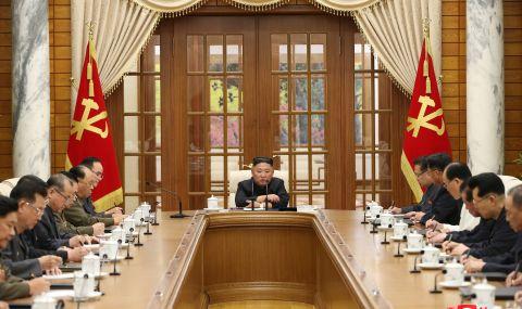 Ким Чен Ун с първа публична поява от седмици