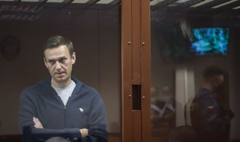 Здравето на Навални се подобрява