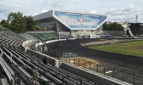 Стадионът, на който се провежда хокей с топка - има допирни точки с футбола