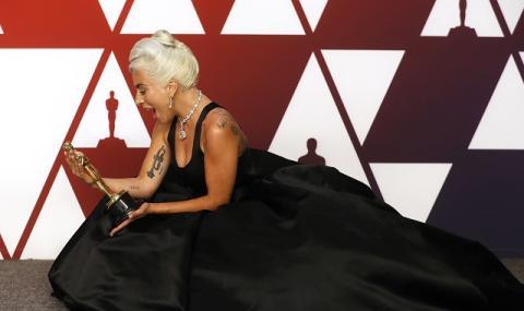 Лейди Гага: Да, бременна съм, но... (ВИДЕО)